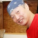 たい焼きを焼く生粋の瀬戸っ子、安藤義久さん 【写真をクリックで拡大】