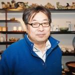 扱う瀬戸焼に誇りを持つ3代目店主の加藤修司さん 【写真をクリックで拡大】