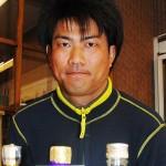 4代目の加藤大典さんとお薦めのお酒 【写真をクリックで拡大】