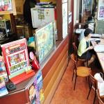 カウンターがあるので店内で食べることもできる 【写真をクリックで拡大】